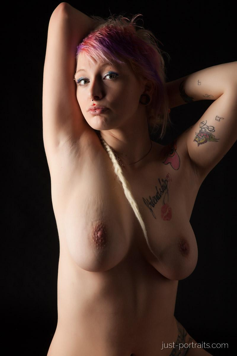 https://www.just-portraits.com/images/galleries/charly-nude-sweets-pt-2/131012_0573p.jpg