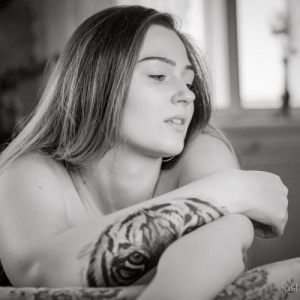 Alyssa - Nude Portraits pt. 1 B&W-Version